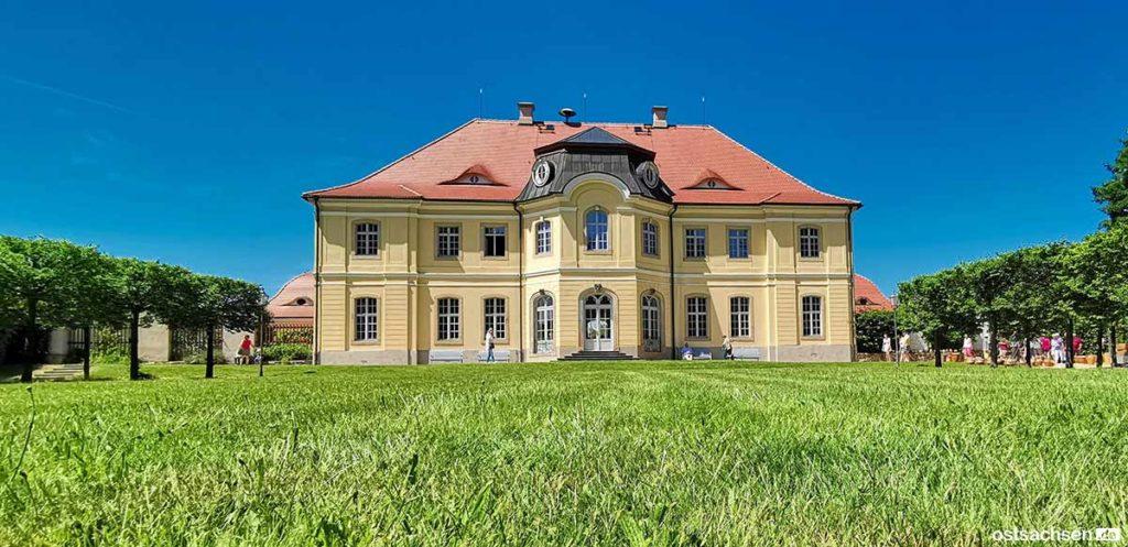 Schloss-Koenigshain-Ansicht-hinten