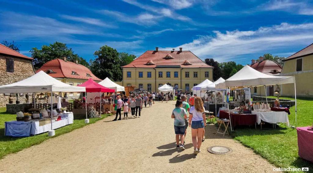 Schloss-Koenigshain-Einblicke-Kunstmarkt-001