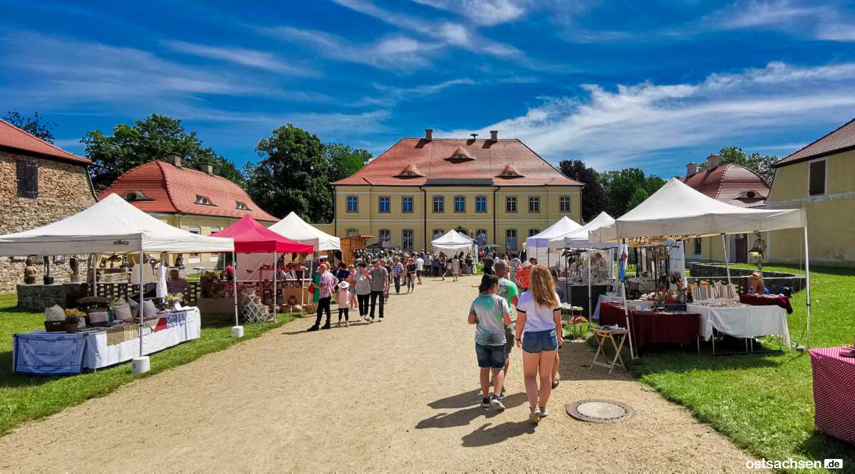 Schloss Koenigshain Einblicke Kunstmarkt 001