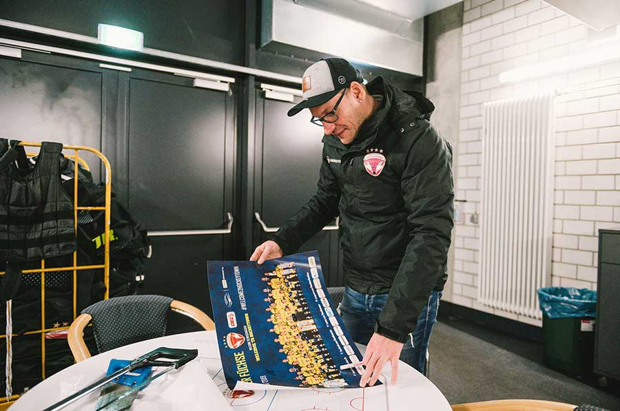 fuechse 0000 Hockeyfuchs Weisswasser Reportage 2019 by PaulGlaser 061