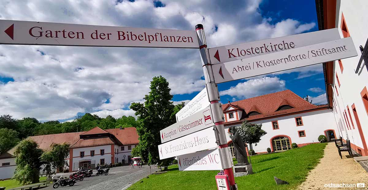 01 Kloster Marienthal Ostritz Garten Bibelpflanzen