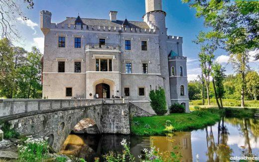 1 Zamek Karpniki Schloss Fischbach eingang