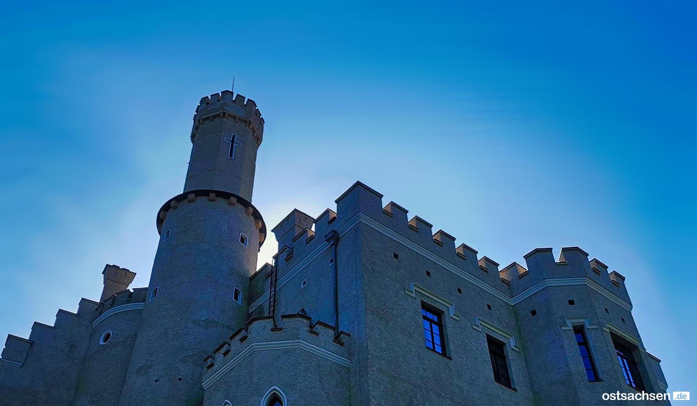 1-Zamek-Karpniki-Schloss-Fischbach
