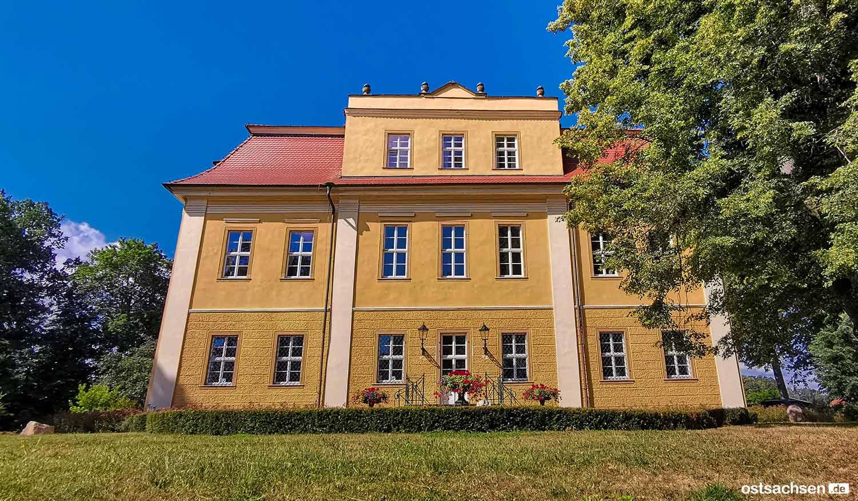 Schloss Lomnitz Hirschberg haupteingang
