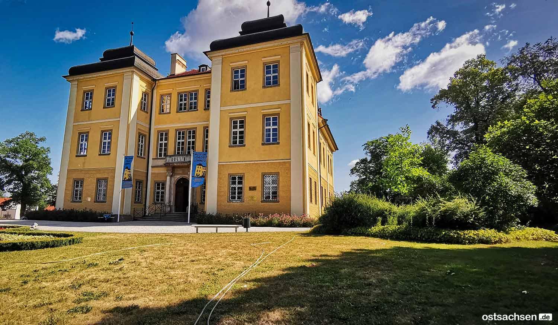 Schloss-Lomnitz-Hirschberg-vorn
