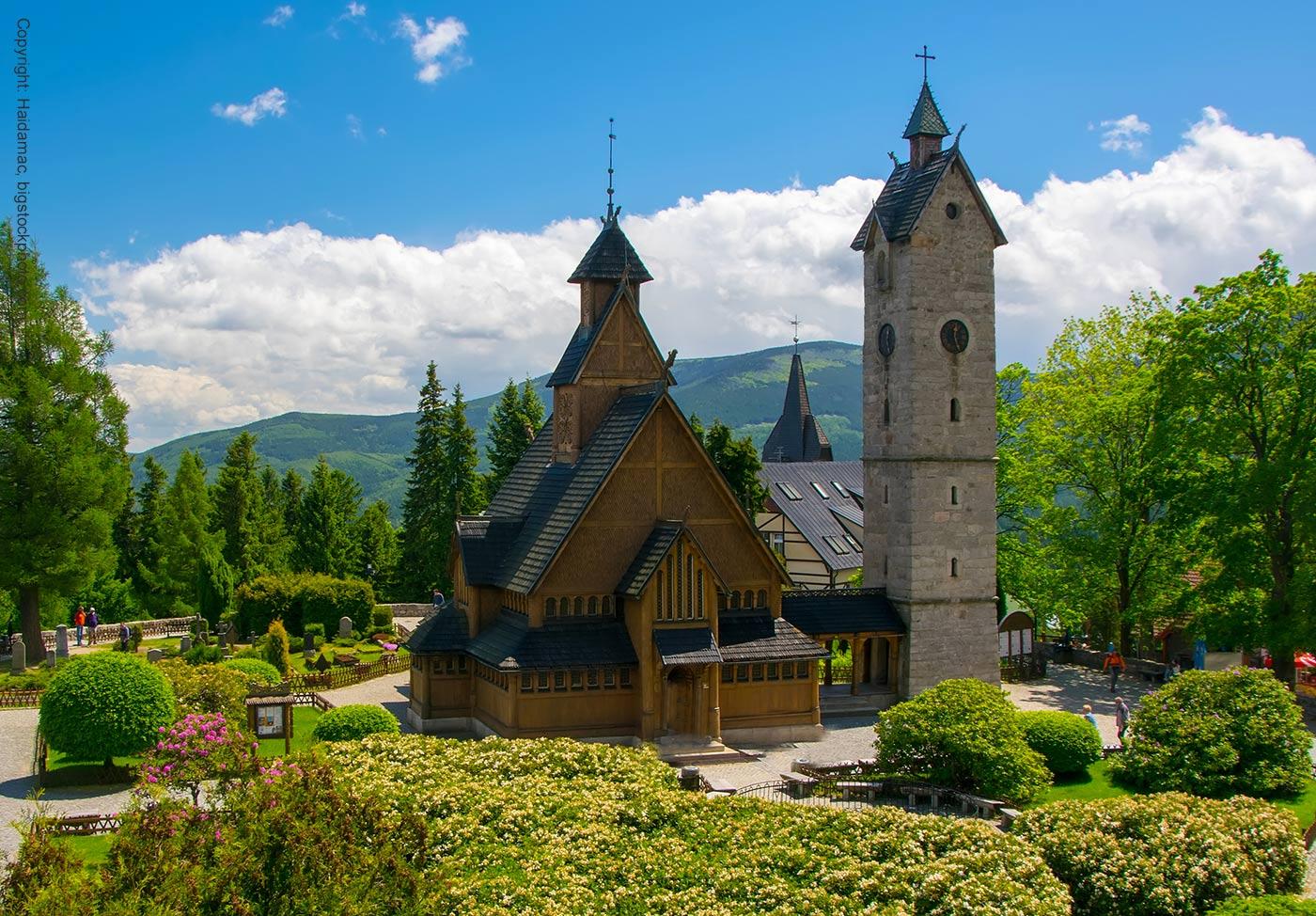Eingang Kirche Wang in Karpacz