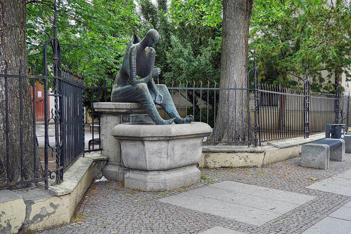 Engel Brunnen Goerlitz 2