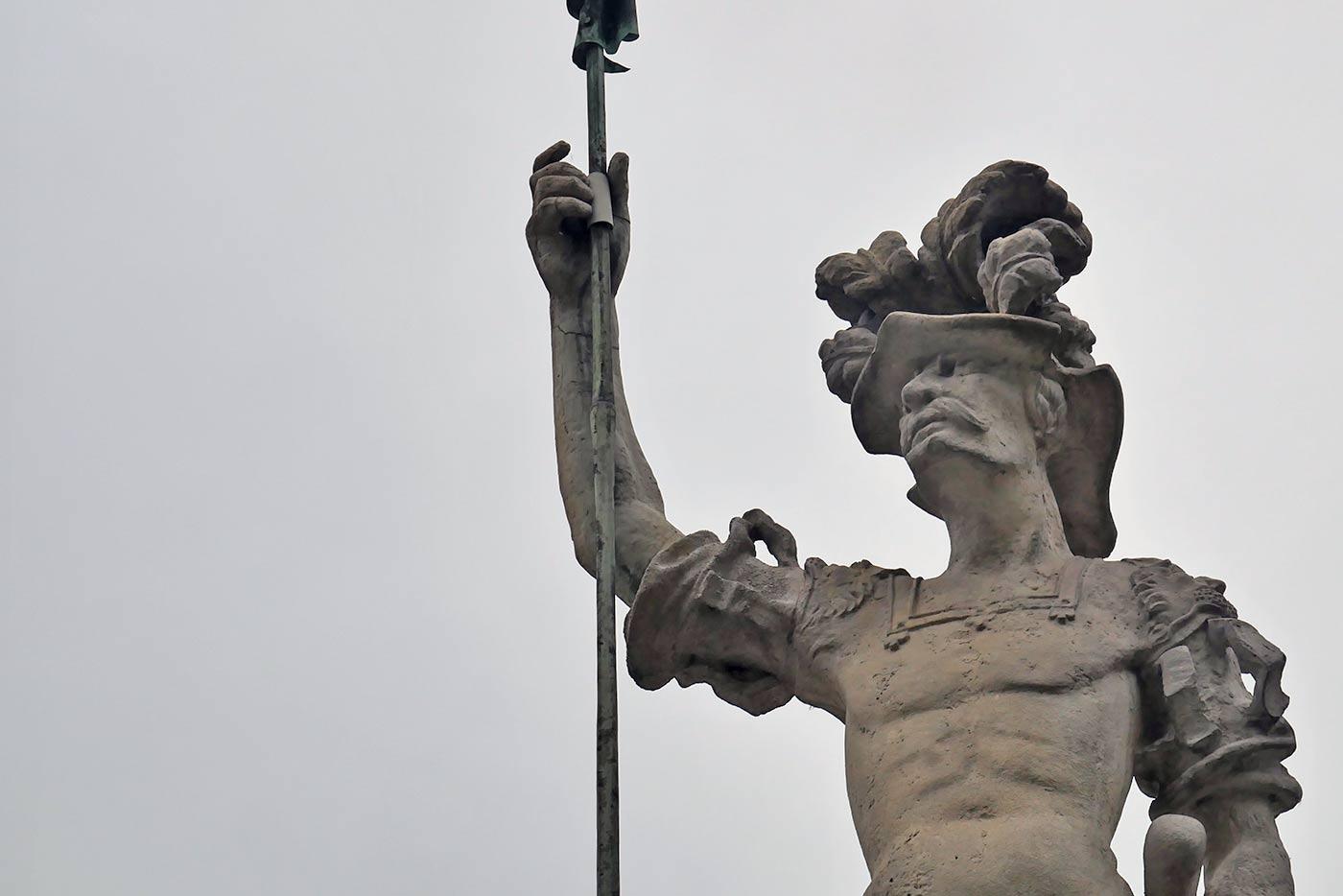 Figur auf dem Brunnen Georgsbrunnen