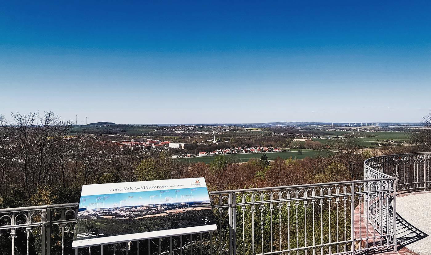 Loebauer Berg Honigbrunnen Blick